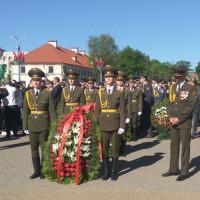 Возложение цветов и венков к Вечному огню и памятнику погибшим воинам посвященный празднику 891-летия города Гродно